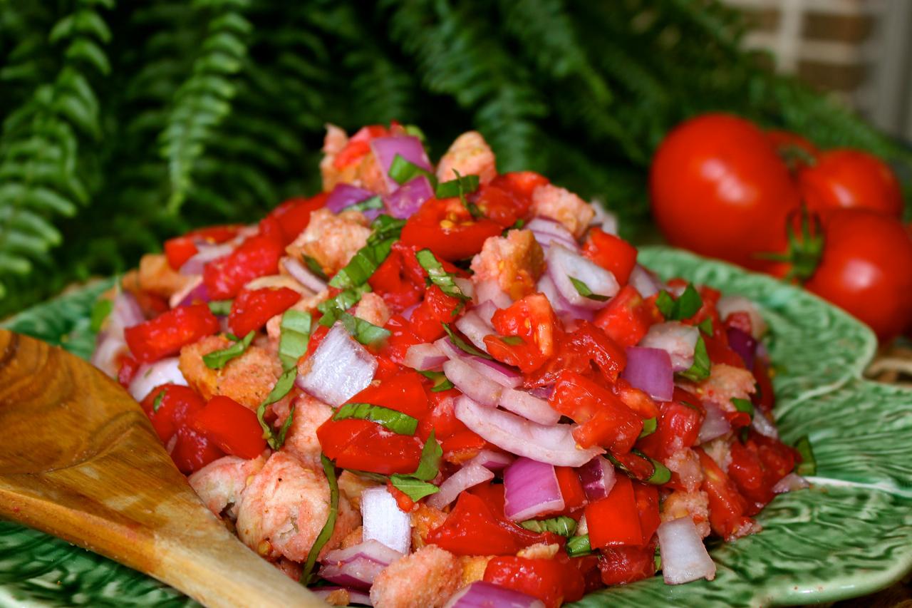 Panzanella Tuscan Tomato and Bread Salad - La Bella Vita Cucina