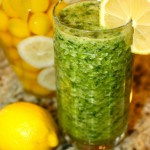 Pineapple, Spinach & Ginger Green De-Tox Smoothie!