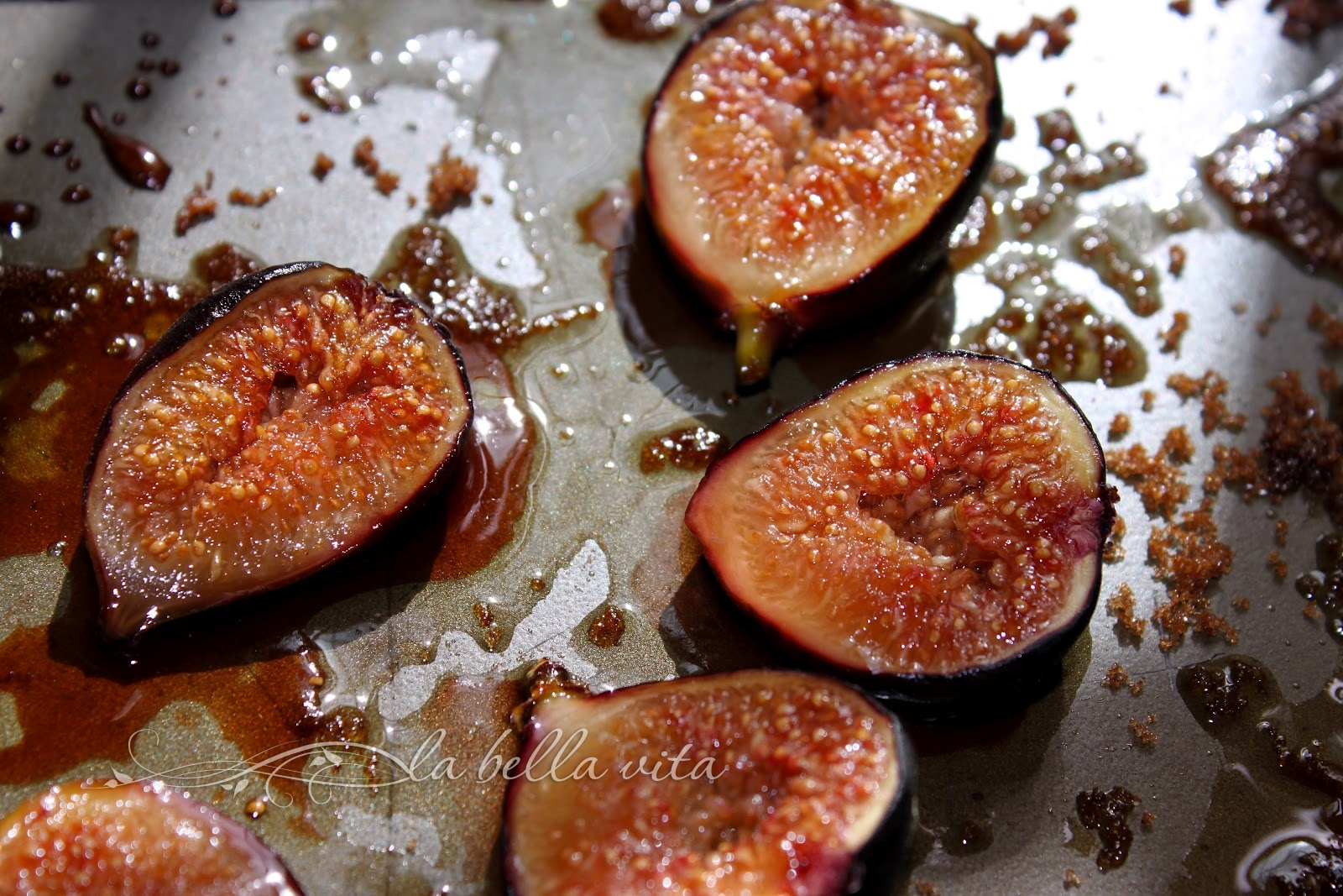 Brown Sugar Roasted Figs Oatmeal - La Bella Vita Cucina