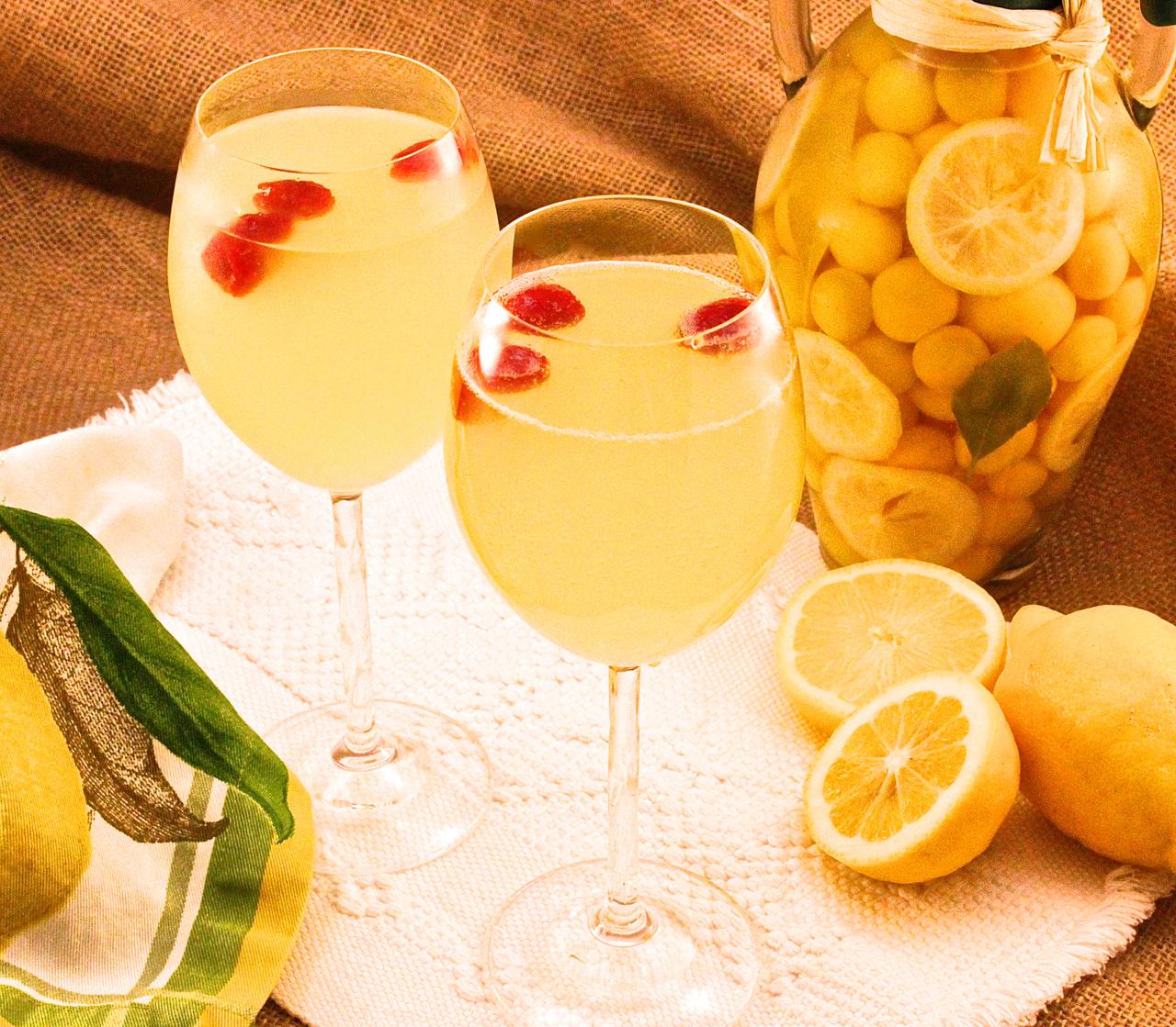 Sparkling Limoncello-Raspberry Cocktail Recipe — Dishmaps