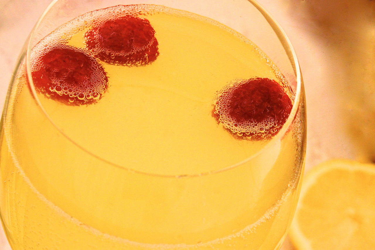 Limoncello and Raspberry Prosecco Cocktails - La Bella Vita Cucina