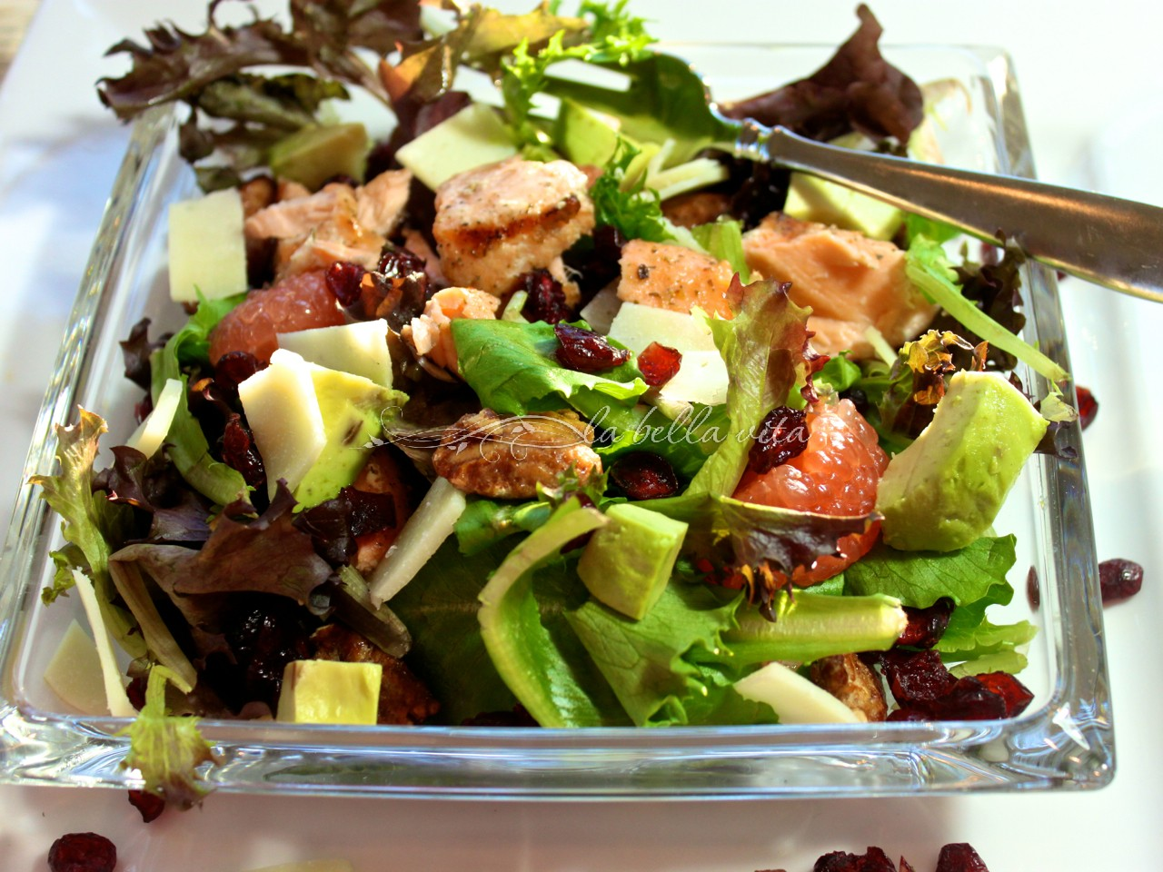 grilled salmon and mixed greens salad