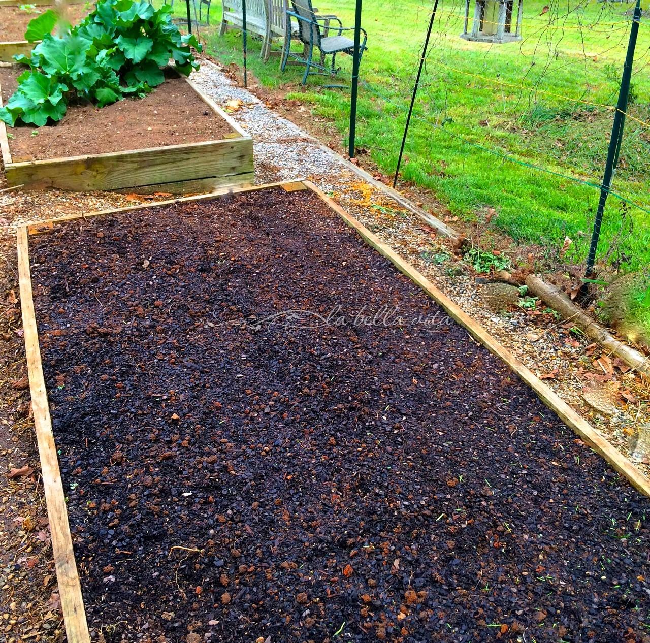 How to prepare garden soil la bella vita cucina for Preparation of soil