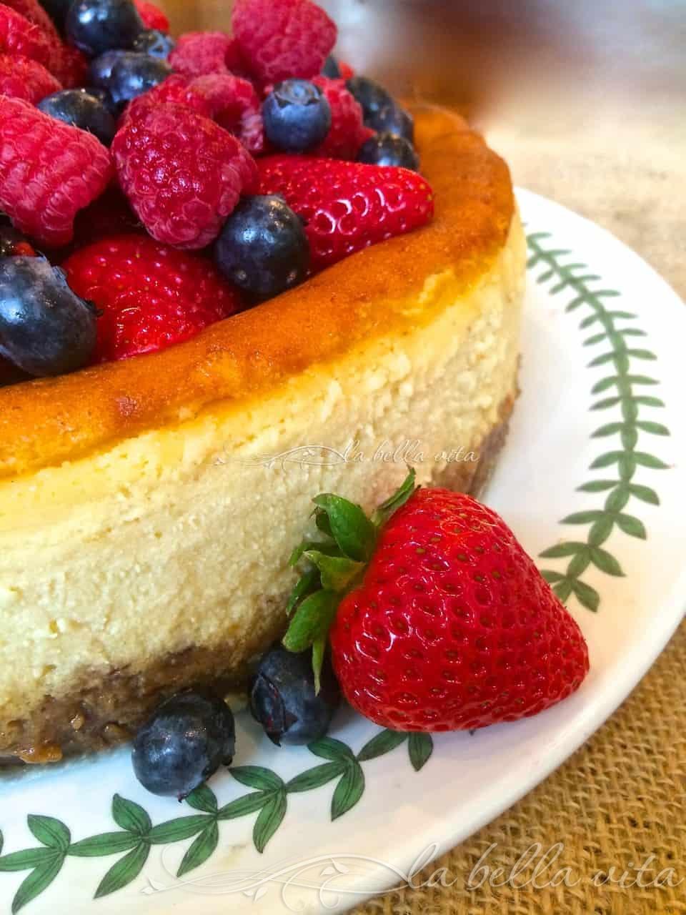 Italian Mascarpone & Ricotta Cheesecake & Raspberry Almond ...