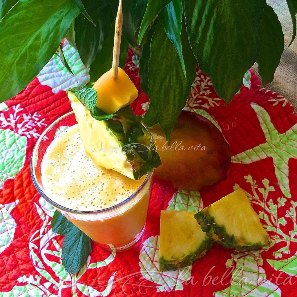Anti-Inflammatory Pineapple, Mango, and Ginger Smoothie