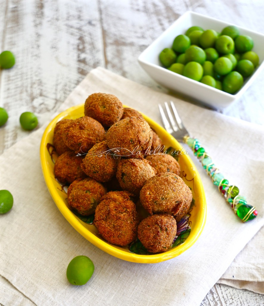 Italian Fried Stuffed Olives Olive all' Ascolina